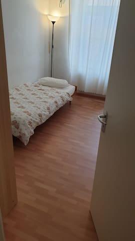 Zimmer in schönem Altbau