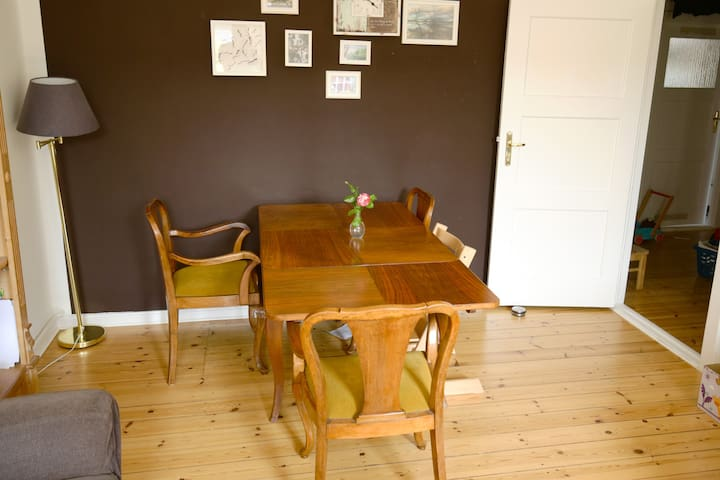 2,5 Room flat for relaxed time in Berlin