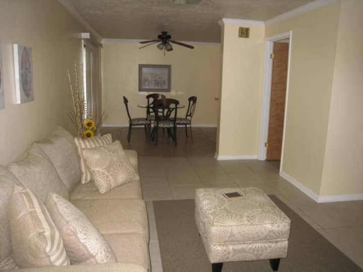 2 Story Townhome in Ocala, FL sleeps 5