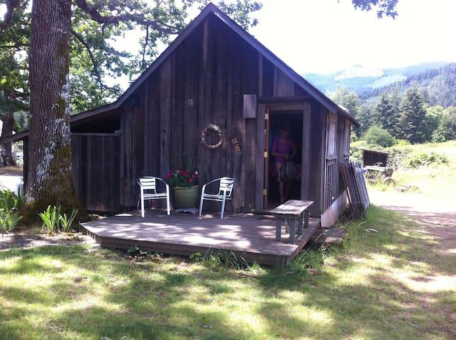 Cozy farmstead guest house