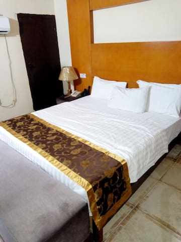 SUNSHINE HOTEL & GUEST HOUSE