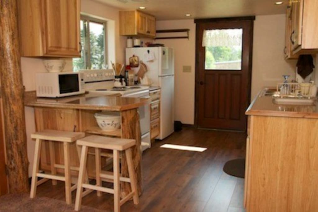 Cook up some yummy meals in this fully furnished kitchen