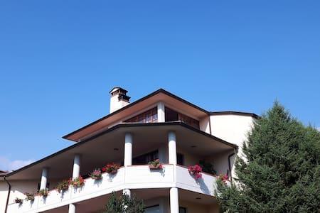Appartamento con Vista Castiglione di Garfagnana - Castiglione di Garfagnana - Apartamento