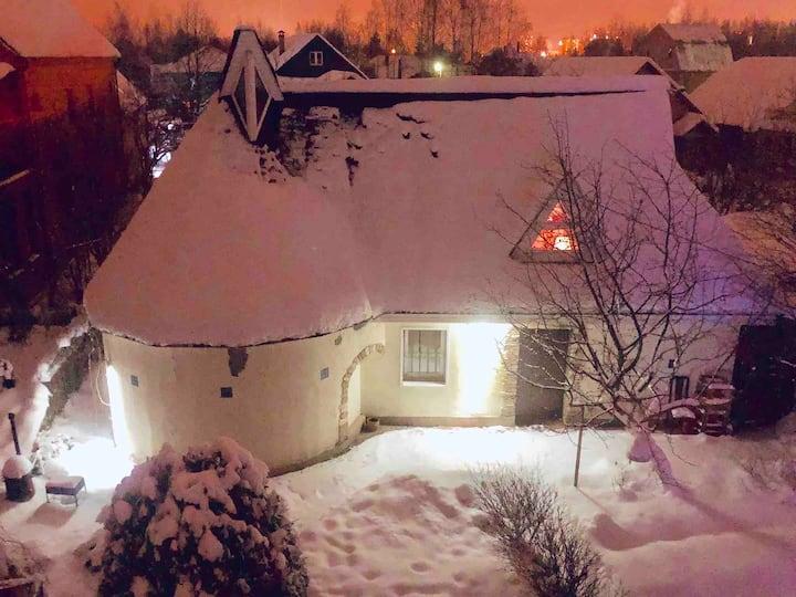 Дом в Малиновке с сауной и бассейном.