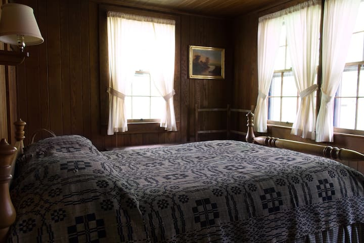 Chinquapin Inn - Double Room
