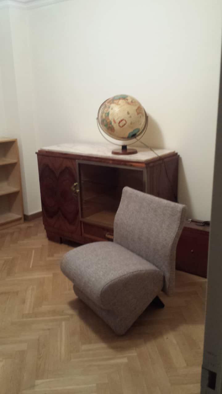 Chambre privée + bureau dans un pavillon