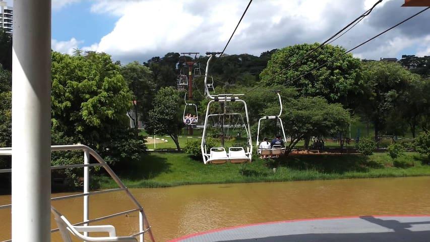 Q de H: Charme e aconchego- Jd do Lago -Atibaia-SP