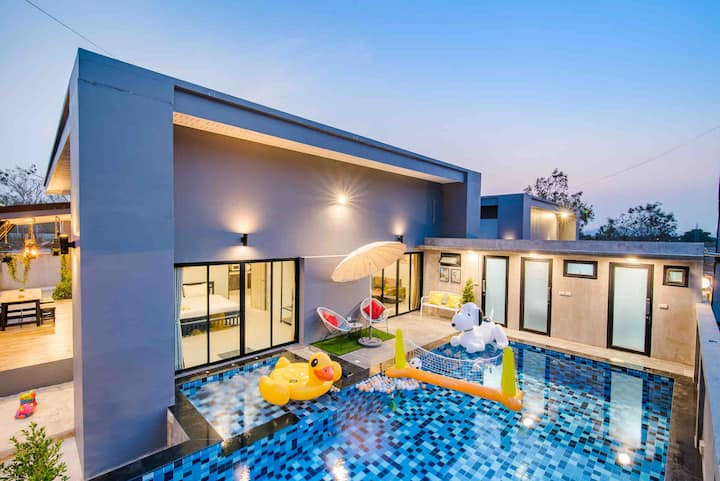 Clean&Safe Paradise HuahinPoolVilla/10mins to town