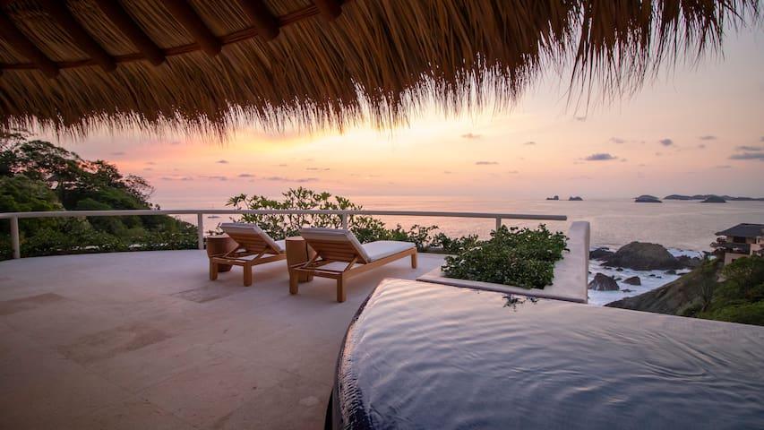Ambar Luxury Oceanview dream condo in Ixtapa