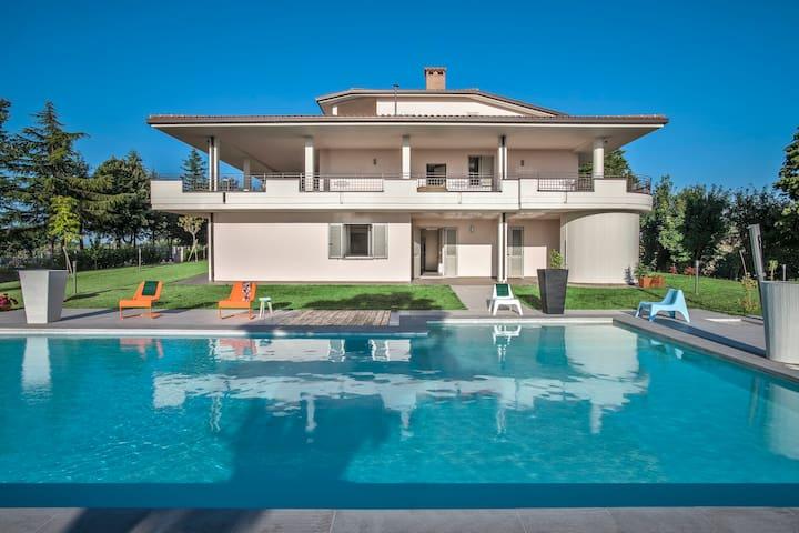 Il Mare - Appartamento in villa con piscina