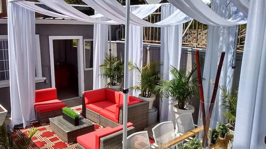 ALEXANDER HOUSE/OUTDOOR SPACE / EVENT RENTAL