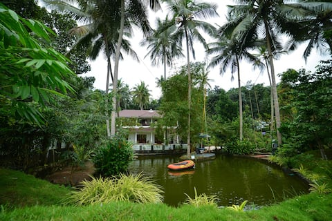 AMRITHAM HOLIDAYS - Entire property Govt. Approved