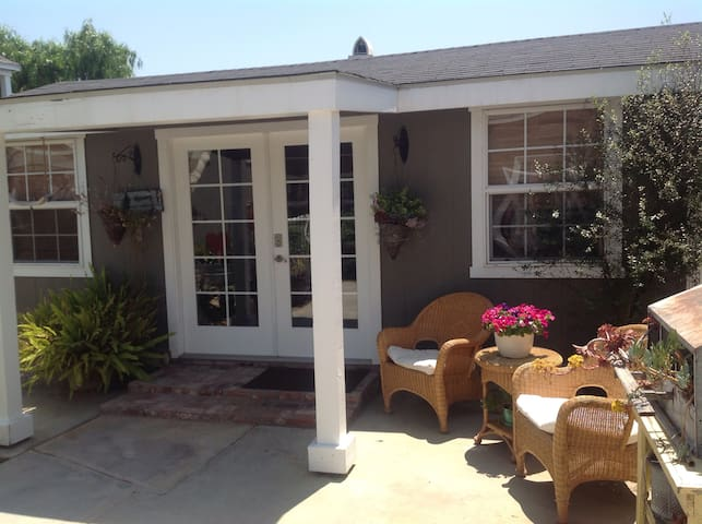 Modern ranch private close to CSUF, Disneyland Fwy