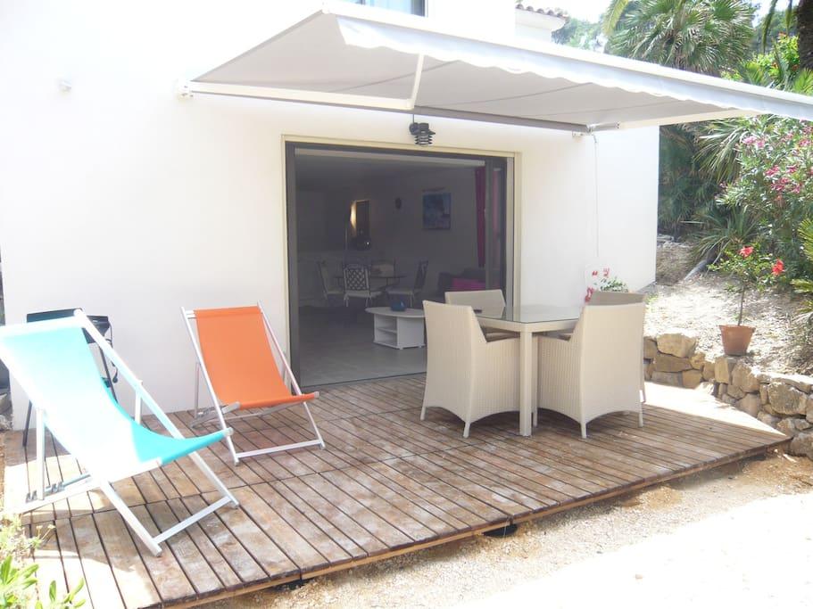 Tr s beau t2 rez de jardin dans villa bord de mer for Beau jardin apartments reviews