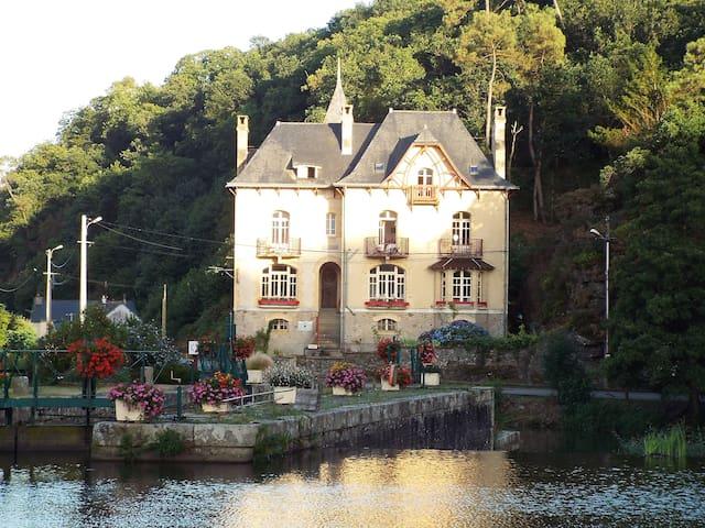 Villa Tranquillilité, Les Randonneurs à petit prix