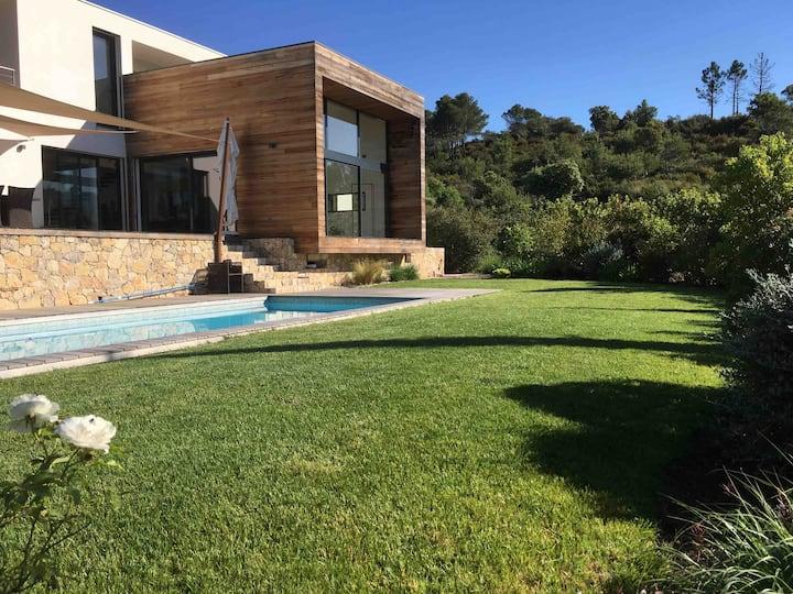 Magnifique villa contemporaine 180 m2 avec piscine