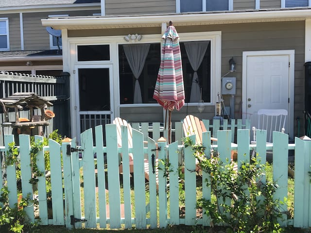Cozy, beachy, townhome - Mount Pleasant - Ev