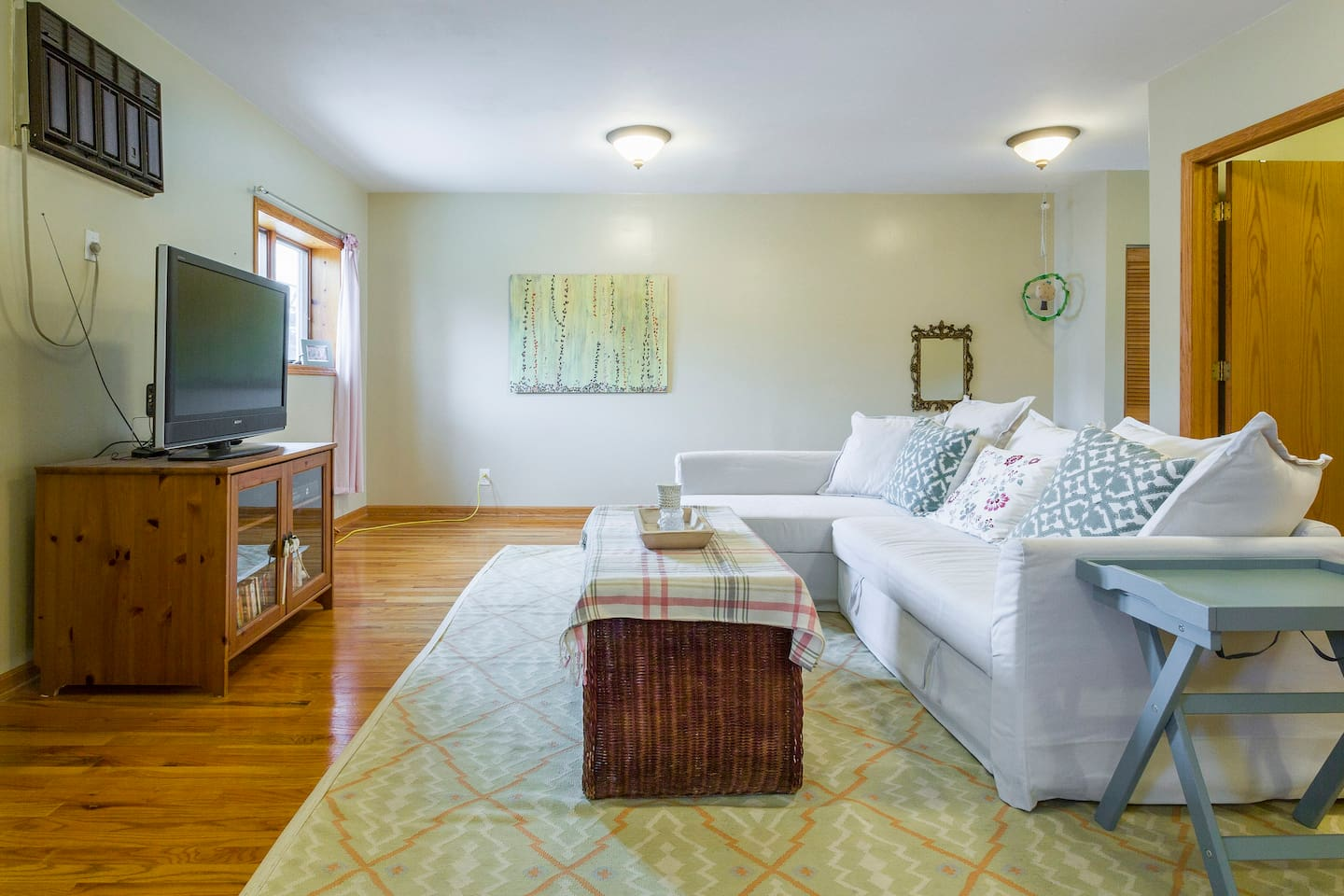 Welcome to our coach house in Oak Park!