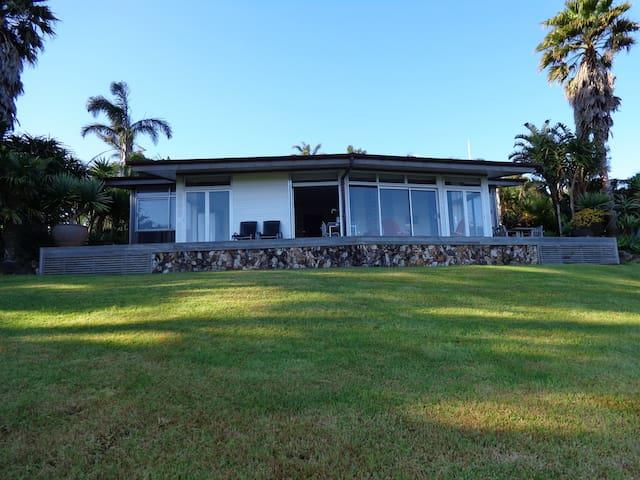 Nikau Apartment Two  Waiheke Island. Auckland.
