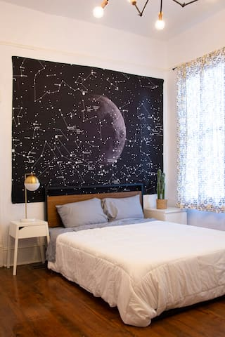 Galaxy Room🌙 Walk Around Historic Savannah
