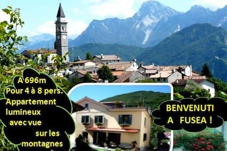4 à 8 single/Sportifs/Amis/Gr. appart. en montagne - Tolmezzo - Haus
