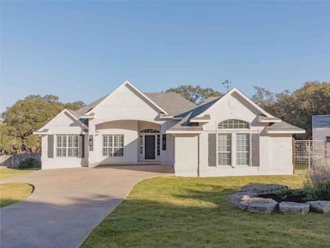 Entire Home • GORGEOUS Ranch in Dripping Springs
