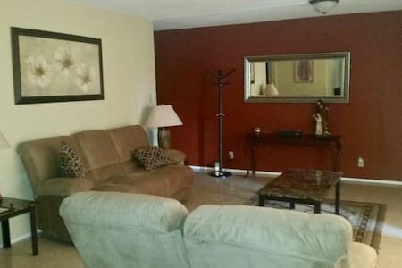 Newly remodeled family apartment - Brownsville