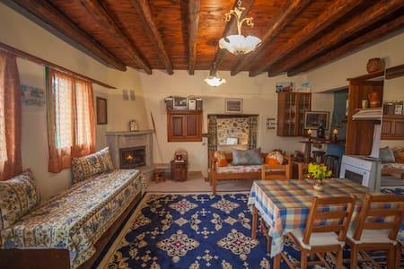 Remote retreat cottage in Amorgos island - Katapola - Ház