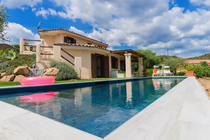 Relax with pool a stone thrown to Chia //SANITIZED