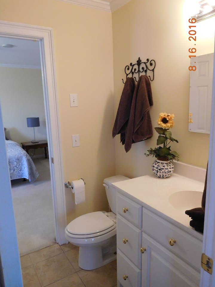 Bath is between adjacent room with 3 twins. Only shared if you rent both rooms.