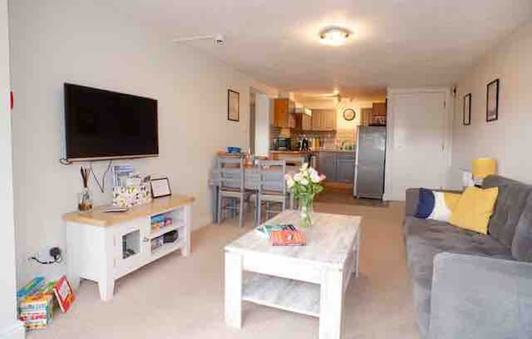 Ground floor apartment with parking in town centre