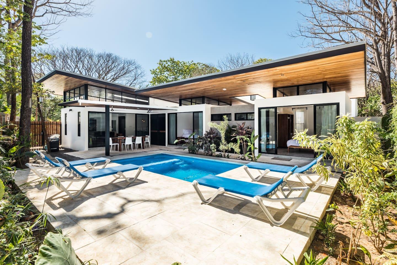 "Villa ""L"" - Luxury 2 bedroom modern home"