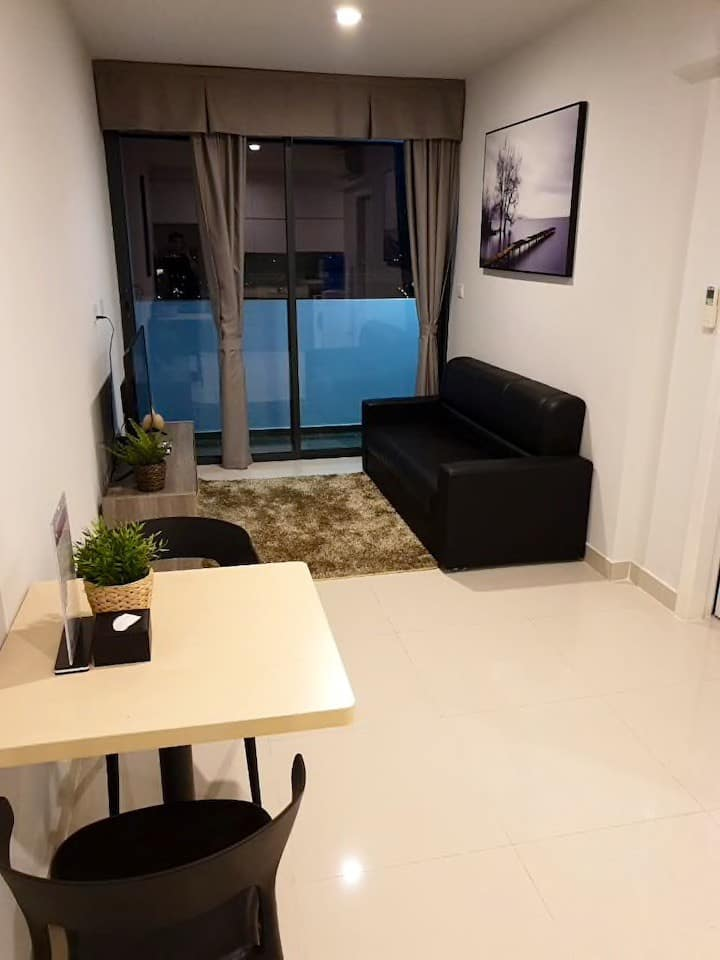 1BR Modern & Spacious Home + River City/View