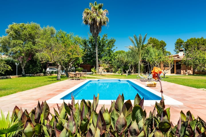 MARILEN for 4 in Alcudia near the beach with pool