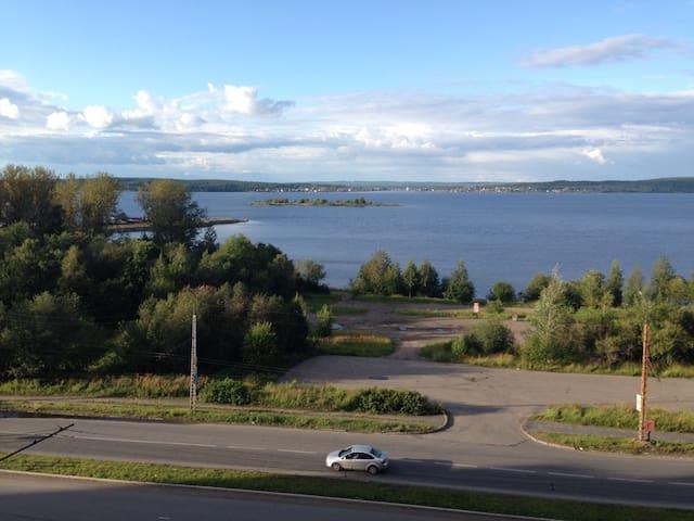 Квартира-студия с видом на Онежское озеро - Petrozavodsk - Huoneisto