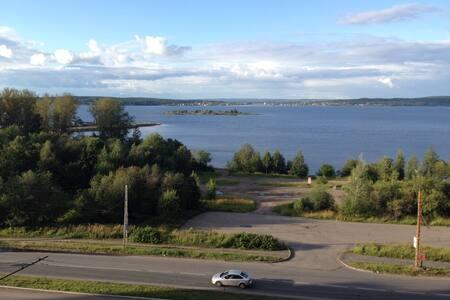 Квартира-студия с видом на Онежское озеро - Petrozavodsk