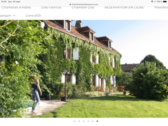 Villa duo: petit hôtel calme avec jardin, piscine.
