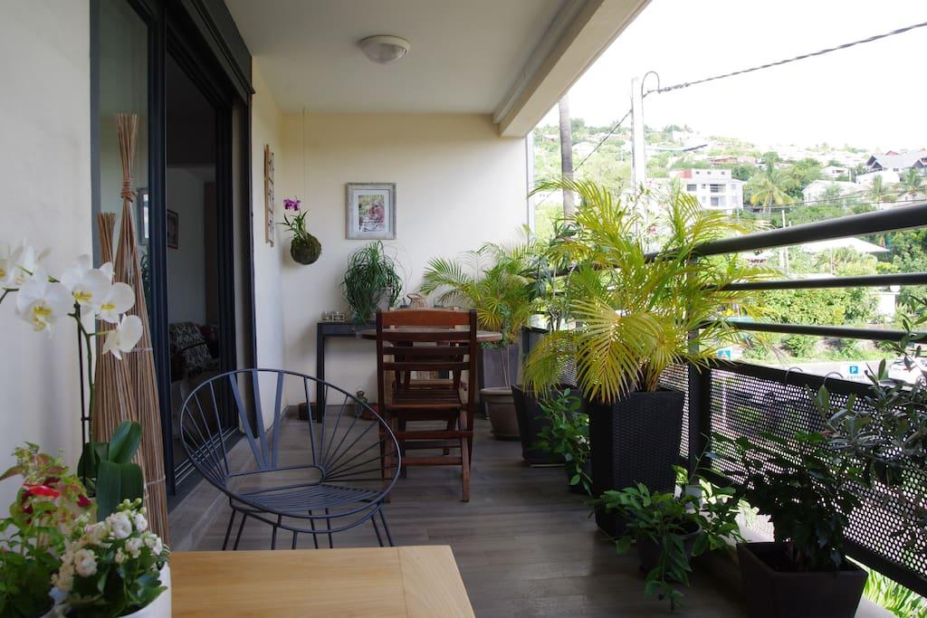 Une grande terrasse idéale pour prendre les petits déjeuner.