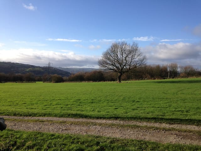 Small Double room, private bathroom  3/4 Bed. - East Morton - Bed & Breakfast