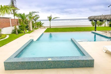 Luxurious Ocean Front vacation Home, Olón-Ecuador