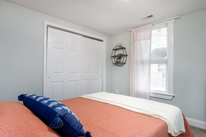Another adorable bedroom also with a queen memory foam mattress. Same large closet ( with hangers and a set of drawers inside)