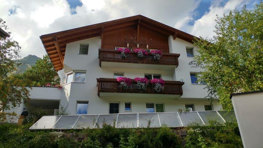 Doppelzimmer in den schönen Samnauner Bergen