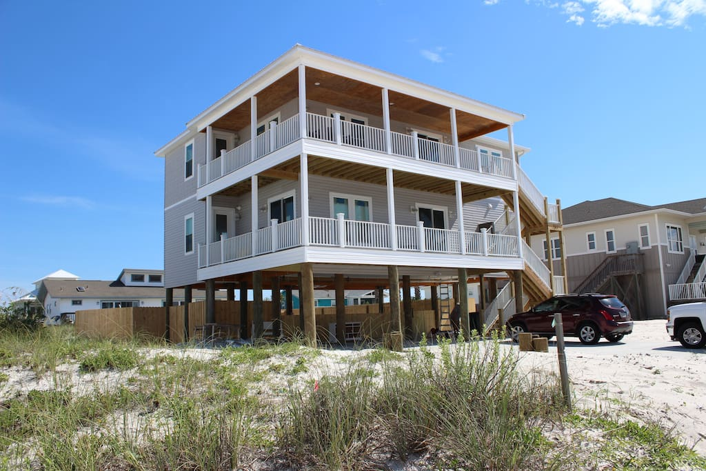 NEW CONSTRUCTION, 6BRs,4.5BAs, double decks, private pool, grand opening 7/1/17