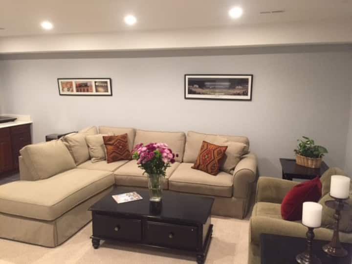 Fully Furnished - 1 Bedroom - Capitol Hill