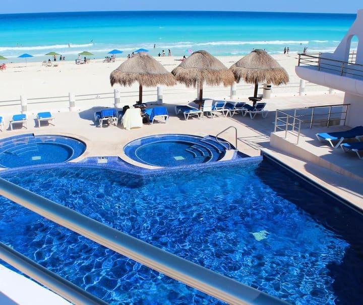 Increíble departamento en Cancun frente al mar