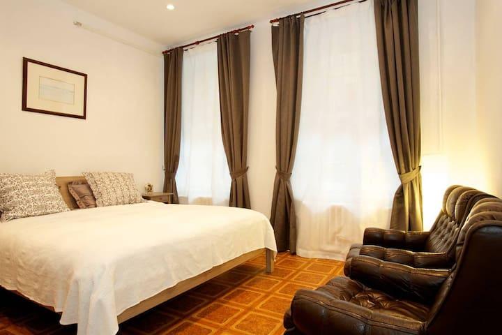 Уютная 2х кк квартира на Конной улице,пл Восстания - Sankt-Peterburg - Квартира