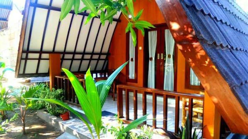 Ina Gili bungalow 1