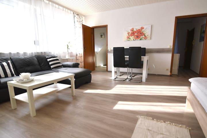 T22c Central Maisonette Apartment Troisdorf with Balcony