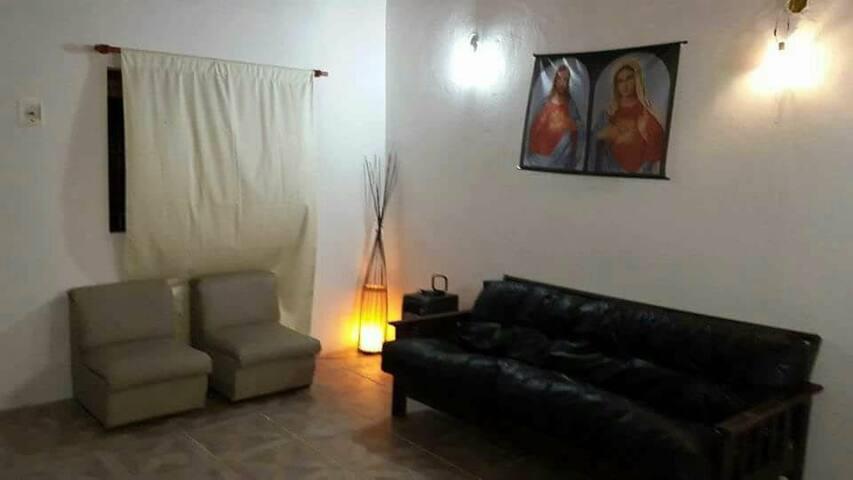 Casa grande 1 Dormitorio Garage Parrila y wifi