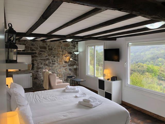Casa Campacinas B - 2 bed Ribeira Sacra house.